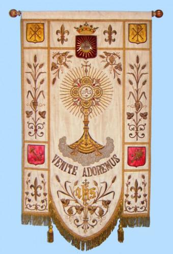 Bannière du St Sacrement Eglise St Piat - Image Compressée.jpg