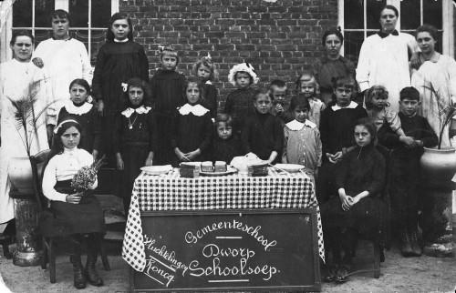 Enfants évacués en 1916.jpg