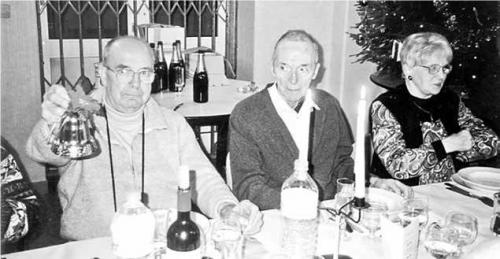 Abbé Verpraet en famille en 2002.jpg